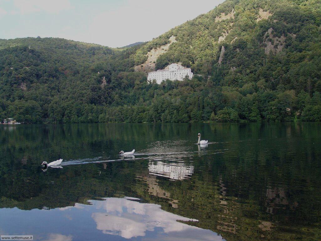 Potenza Abbazia S. Michele e laghi di Monticchio