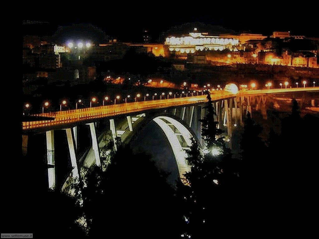 Catanzaro Ponte Bisantis di notte