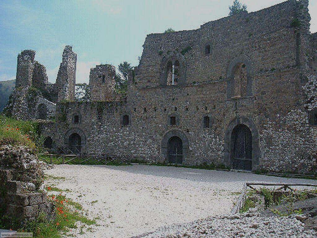 caserta_005_ruderi_castello