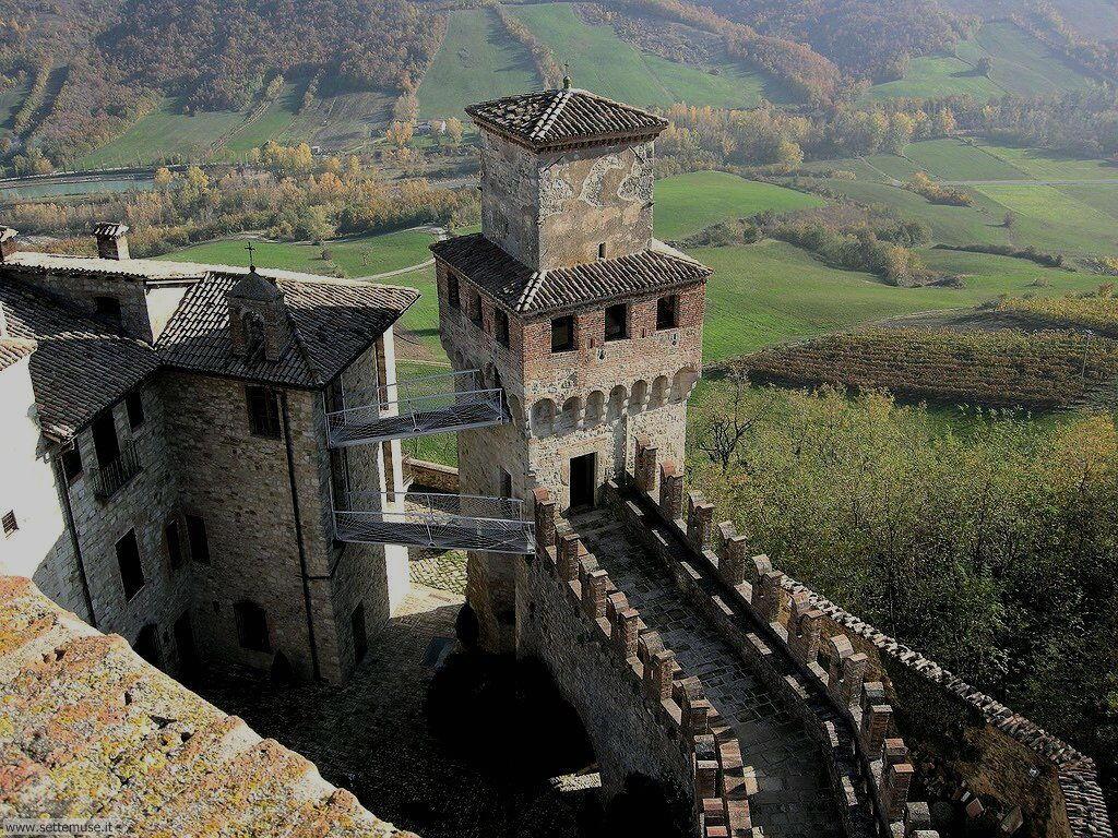 PC_002_torre_medievale_vigoleno