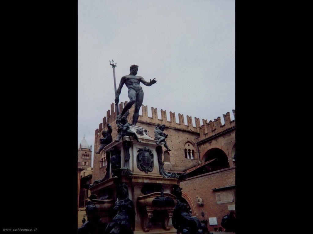 statua del nettuno di bologna