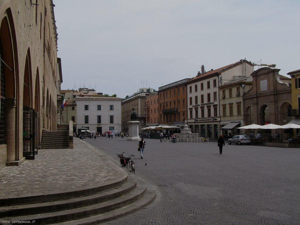 Rimini - Piazza tre Martiri