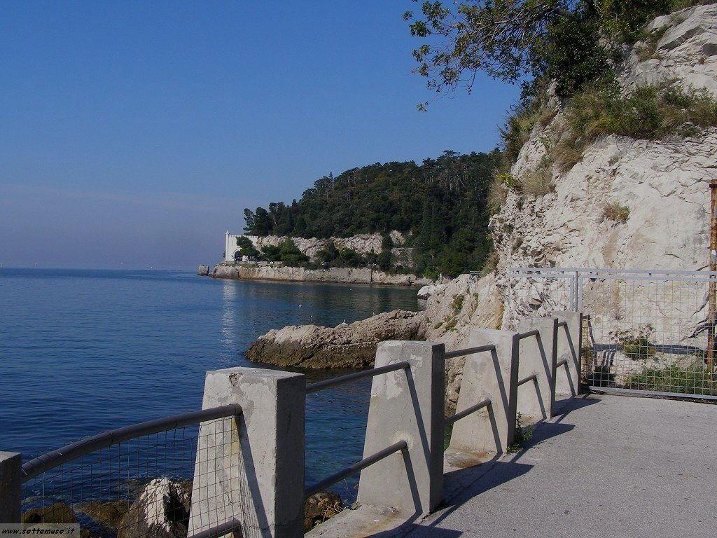 foto castello miramare 2