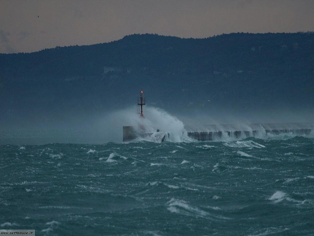 Trieste bora nel golfo