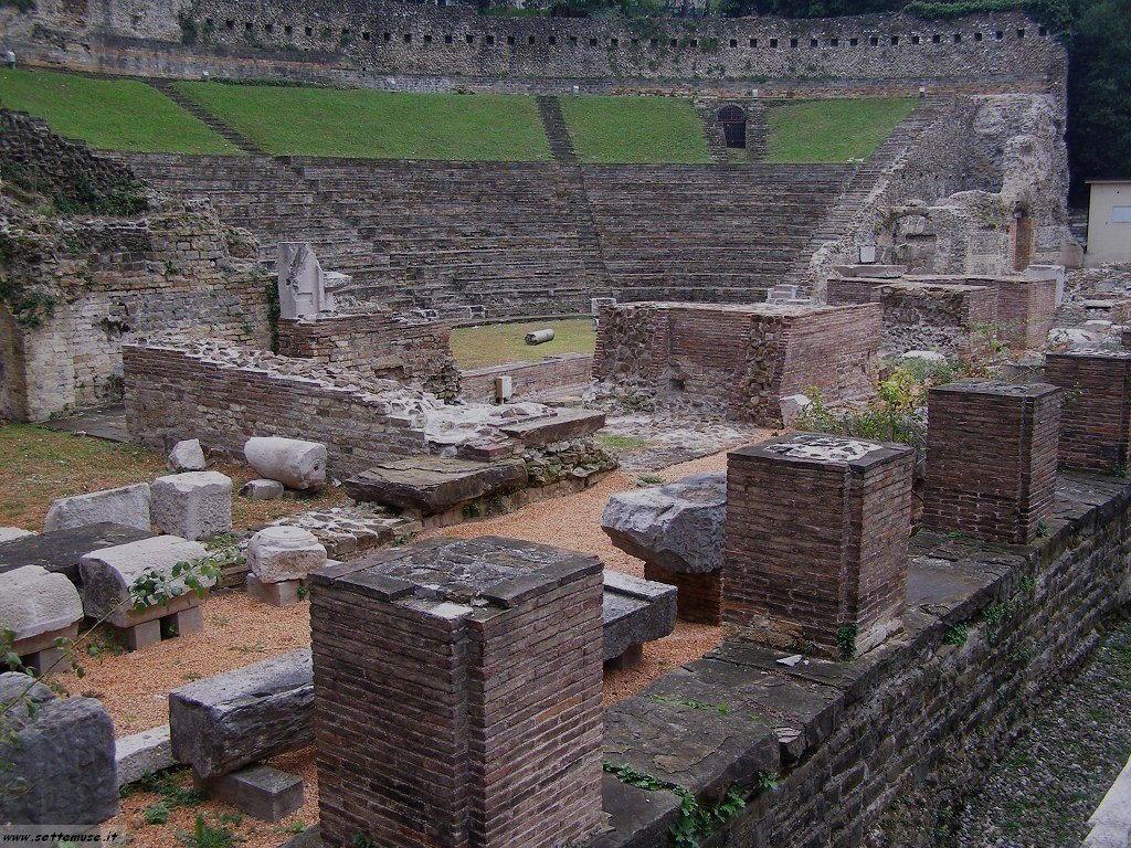 trieste citta resti dei fori romani 52