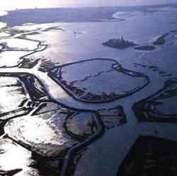 Foto aerea della Laguna di Grado