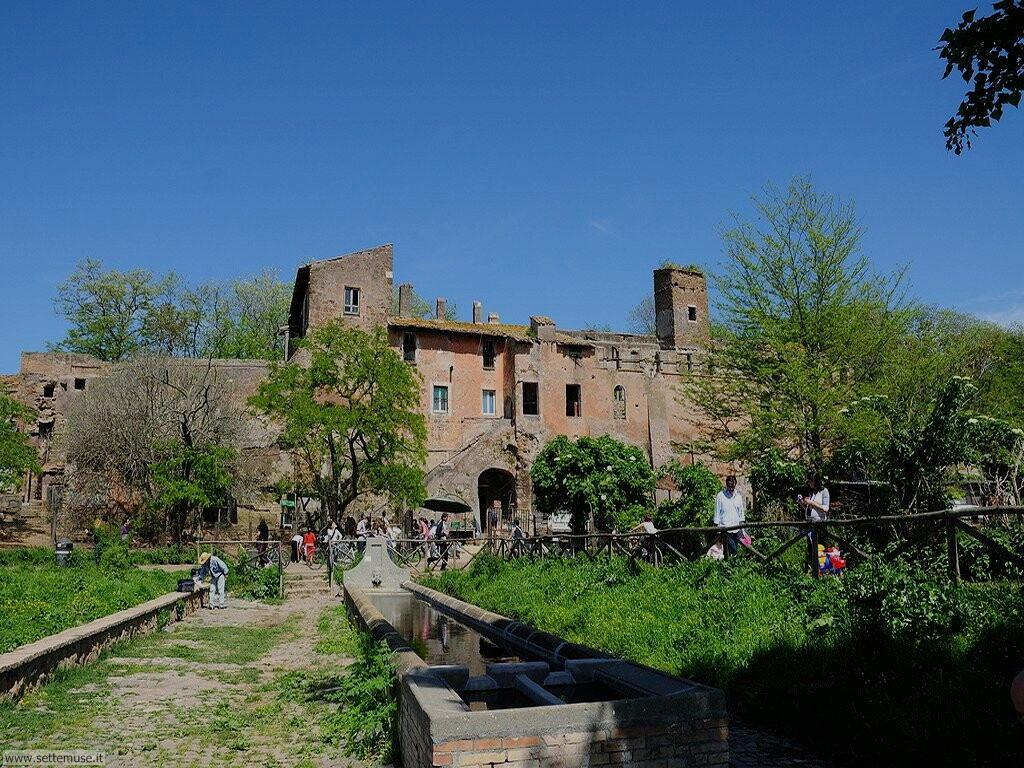 Parco della Caffarella fattoria medievale Roma