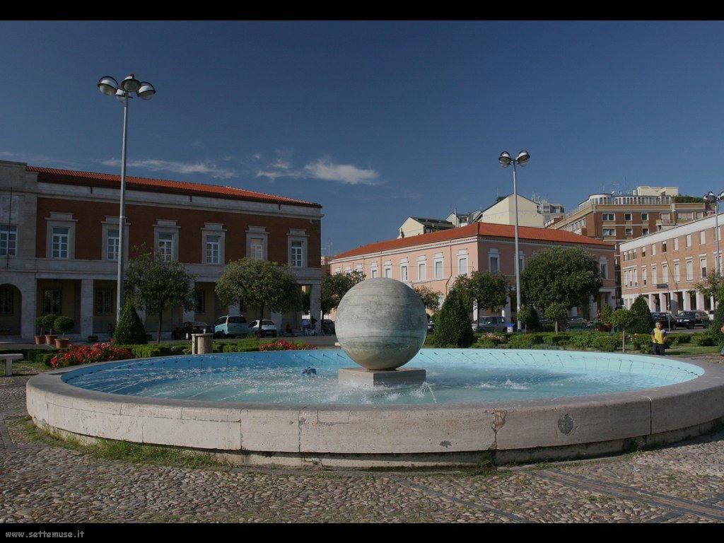 latina piazza del popolo