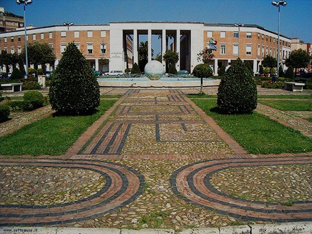 latina piazza del popolo 4