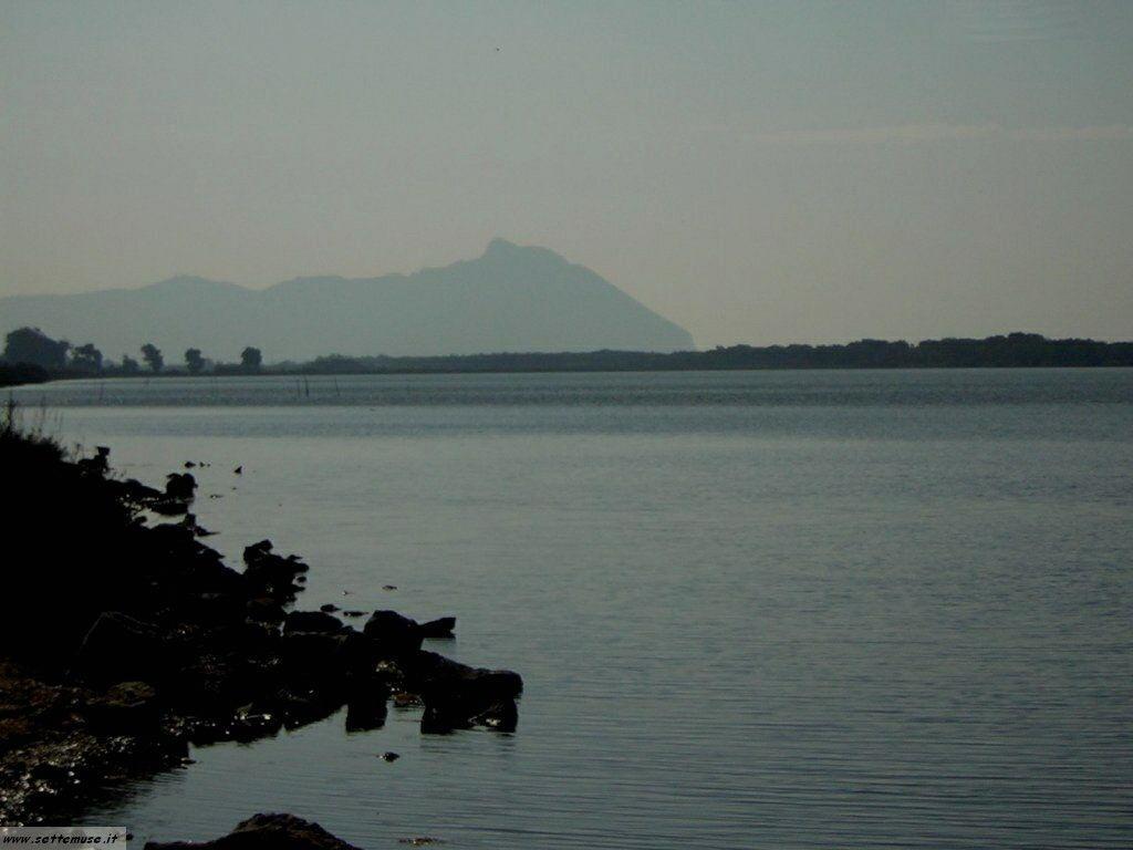 Lago Paola e il Circeo