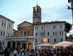 La facciata di Santa Maria in Trastevere