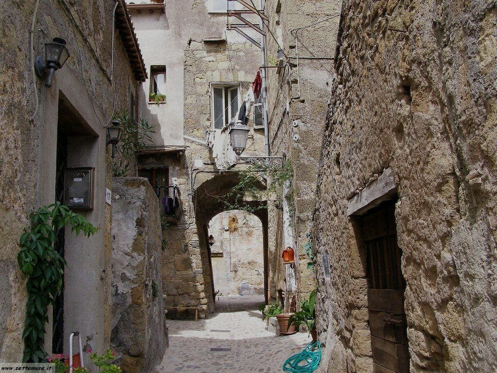 Calcata borgo foto 54