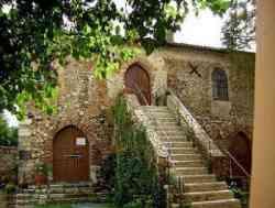 Sabaudia, retro di Chiesa di Santa Maria della Sorresca