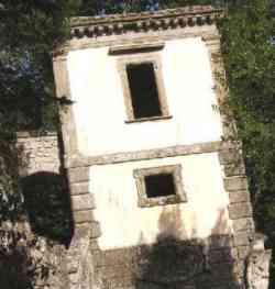 Bomarzo - La casa pendente