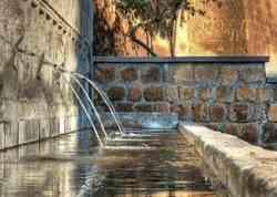 Tuscania - Fontana delle sette cannelle