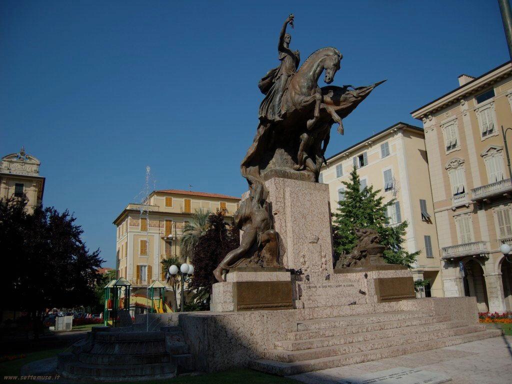 Foto Chiavari monumento ai caduti 177