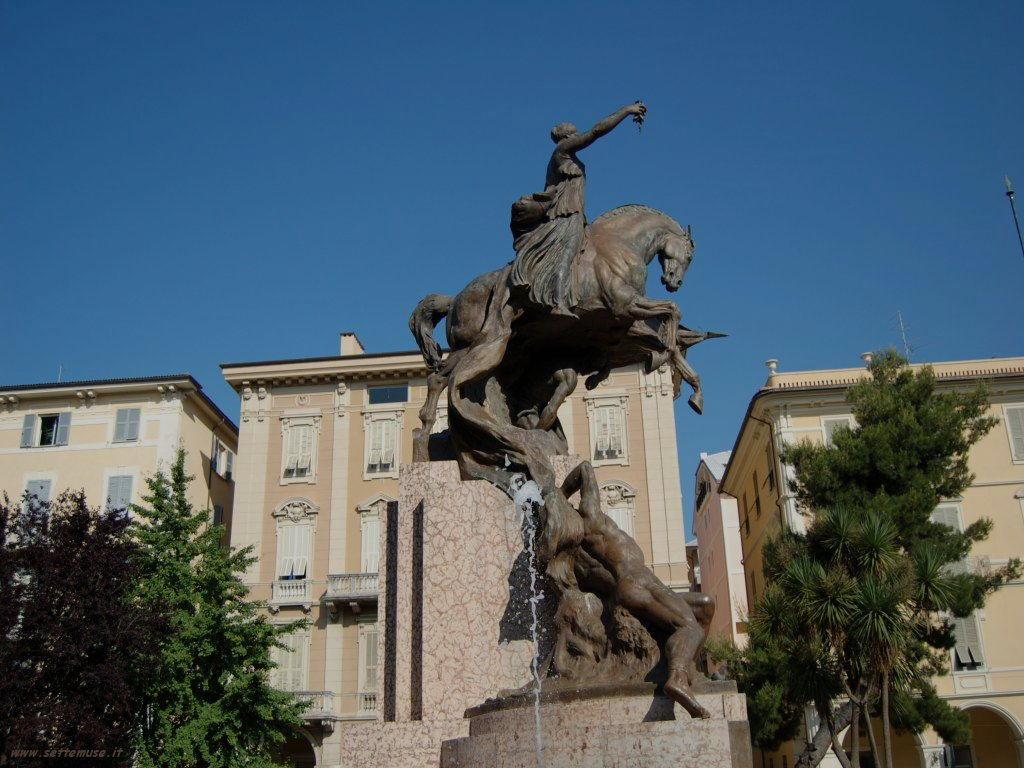 Foto Chiavari monumento ai caduti 178