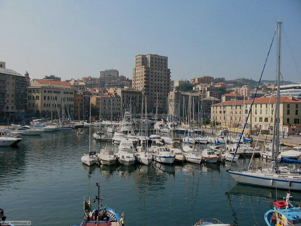 how to get to savona italy