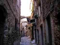 Una strada di Bussana Vecchia