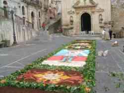 Festa del Corpus Domini e il tappeto di fiori