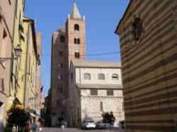 Santa Maria in Fontibus e centro storico Albenga