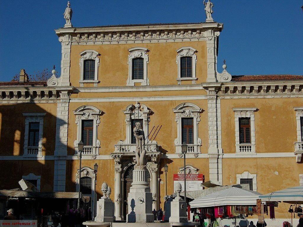 Brescia Piazza mercato