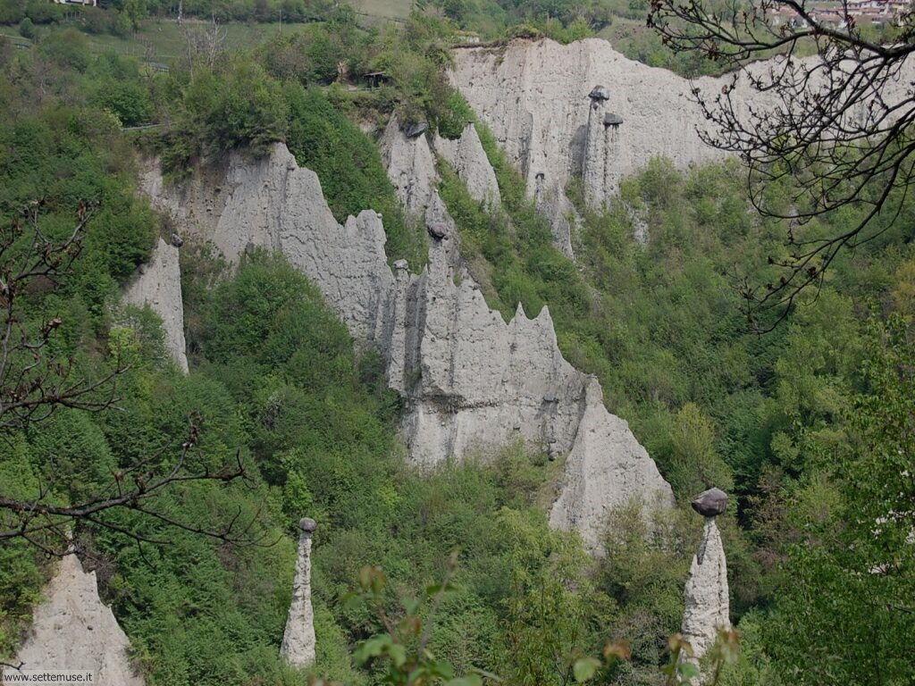 Piramidi di Zone sul lago d'Iseo 043
