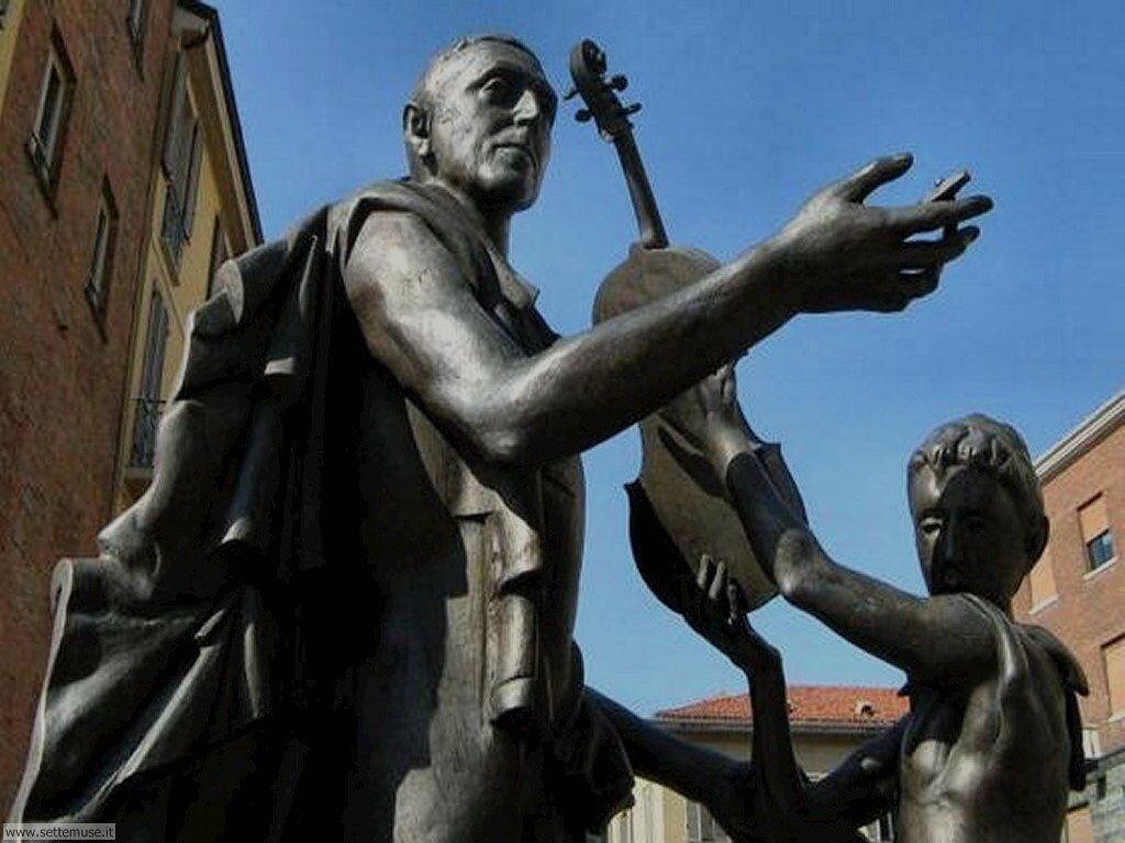 cremona monumento a stradivari