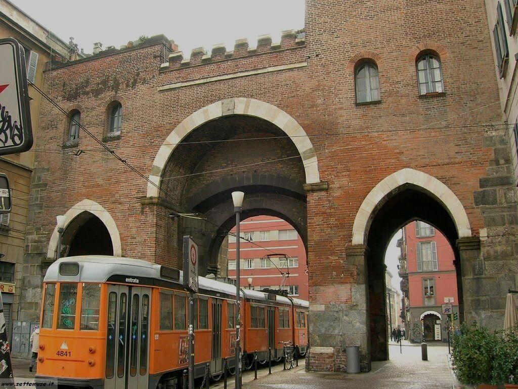 Milano citta porta ticinese foto