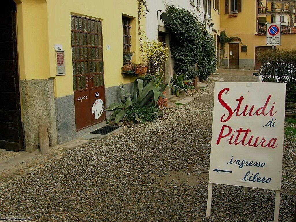 Milano citta vicolo lavandaie foto