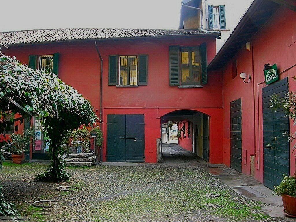 Milano citta vecchia foto