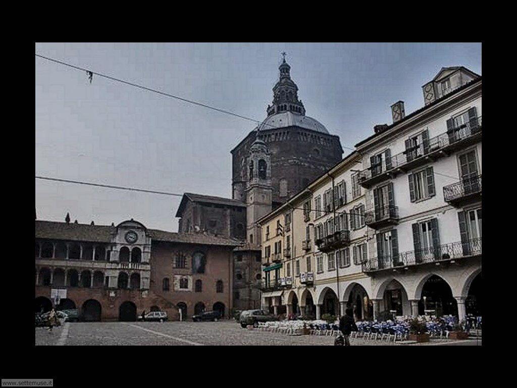 Pavia Piazza della Vittoria