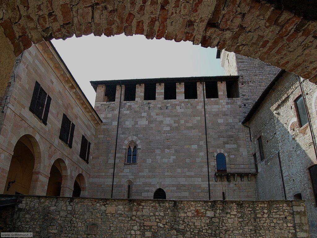 Angera Rocca Borromeo guida e foto