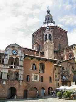 Pavia - Il Broletto