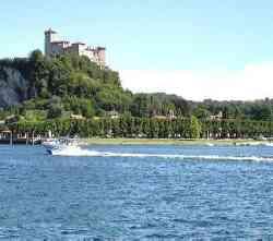 Angera Rocca Borromea dal Lago