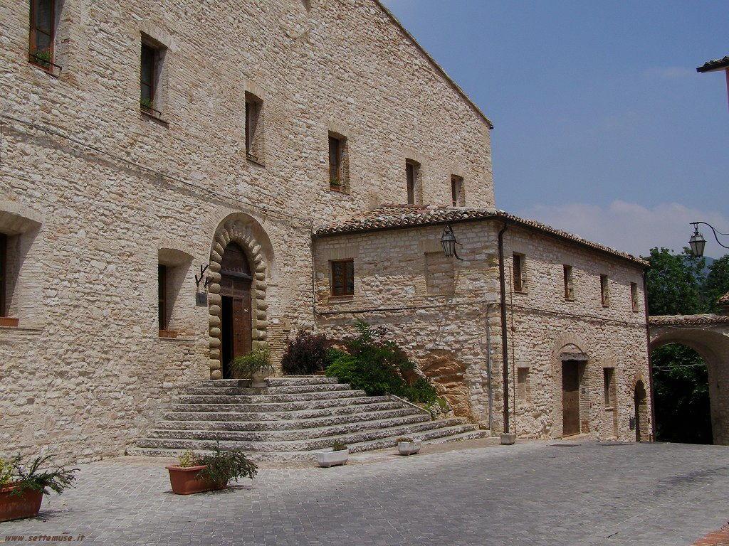 Immagini di Genga in provincia di Ancona