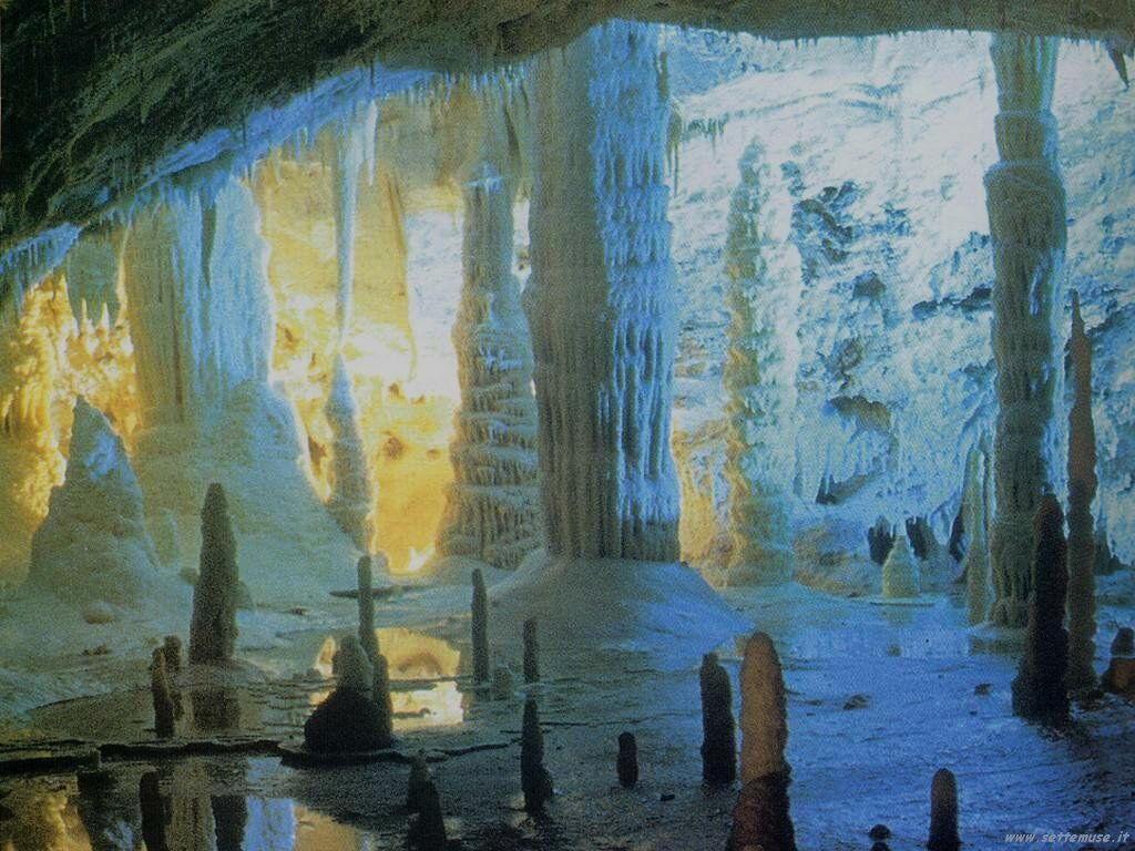 Effetti speciali delle grotte di Frasassi