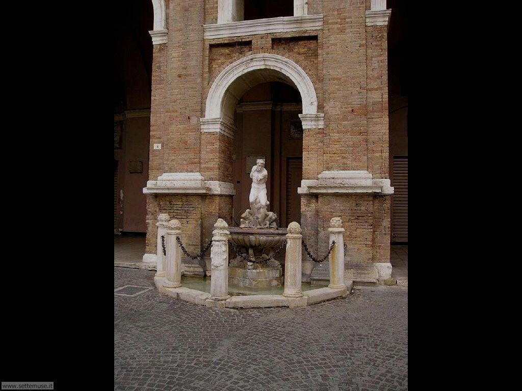 Particolare di Piazza Roma a Senigallia