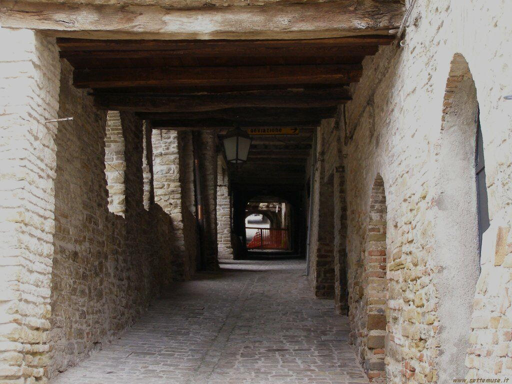 Le copertelle di Serra San Quirico