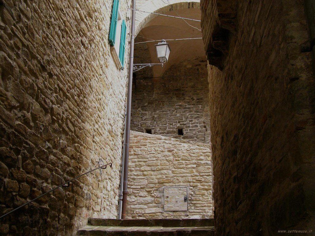Muri e casse di Serra san Quirico