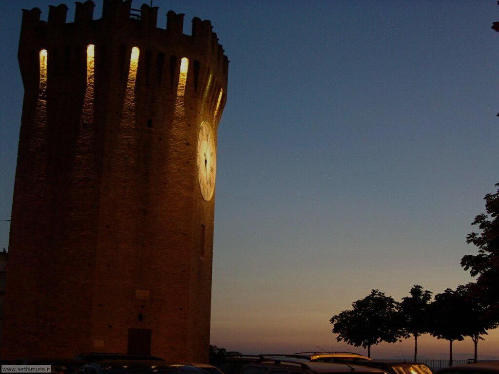 San Benedetto del Tronto, torrione di notte