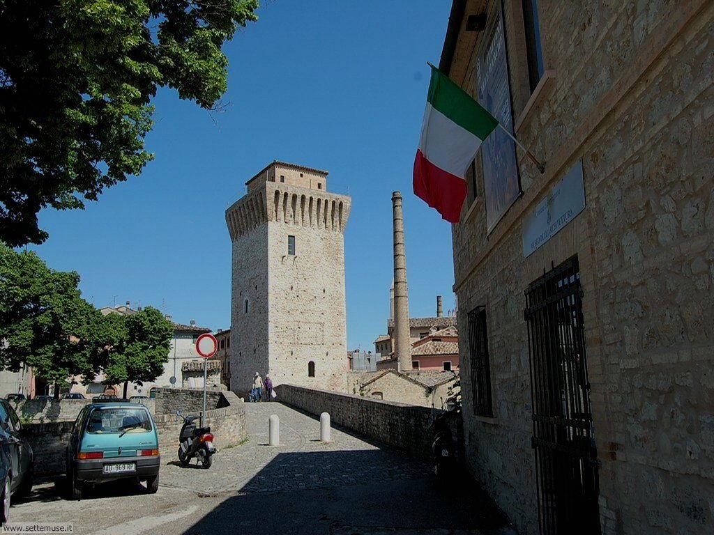 Fermignano Ponte romano, torre medievale e lanificio