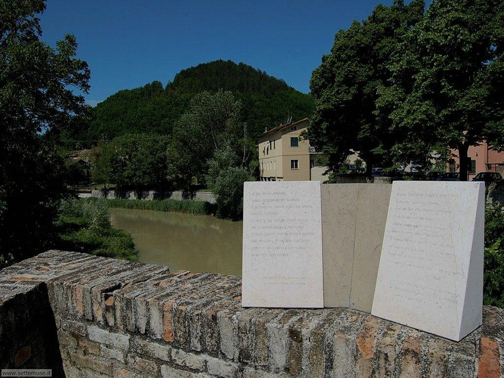 Fermignano vista dal ponte romano