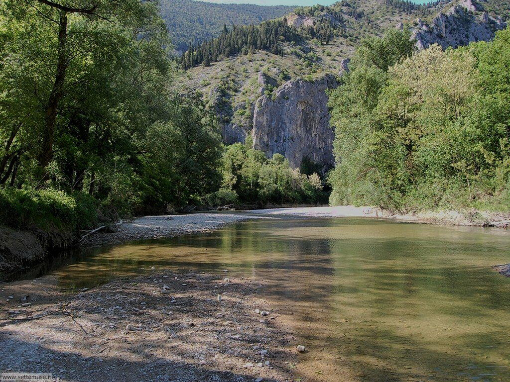Gola del Furlo e fiume Candigliano