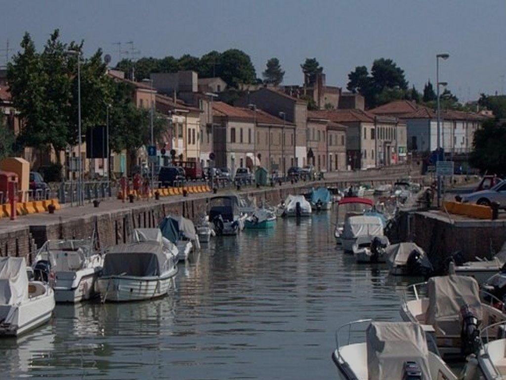 Canale del porto di Fano