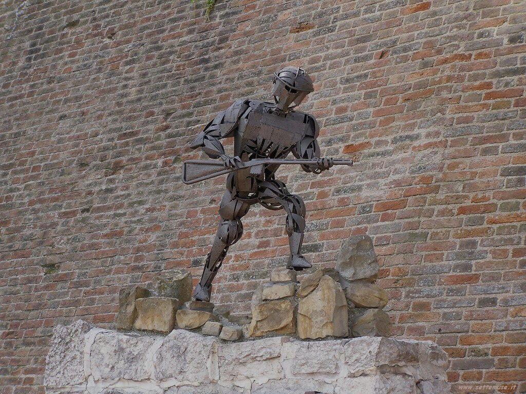 Monumento a Fiorenzuola di Focara