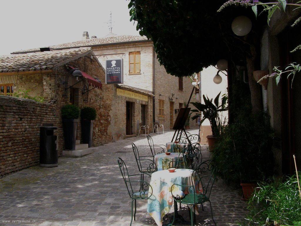 Strade nel Castello di Gradara