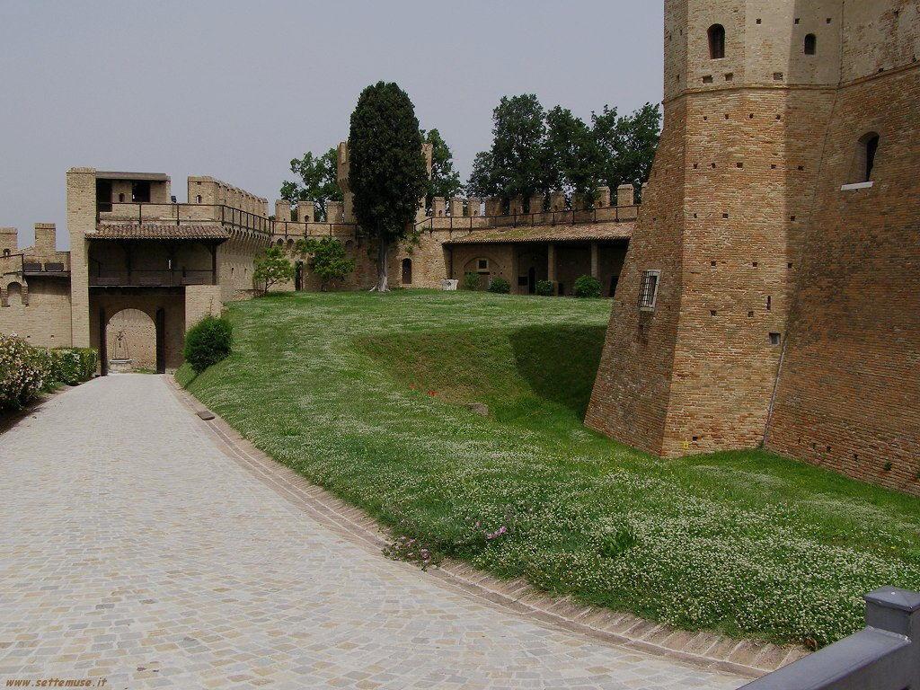 Vialetto del Castello di Gradara
