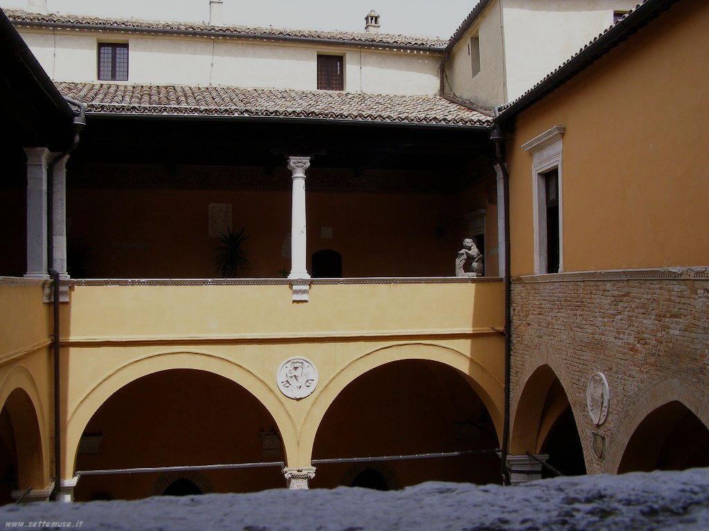 Loggia nel Castello di Gradara