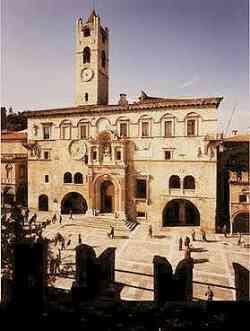 Ascoli Piceno  - Palazzo dei Capitani
